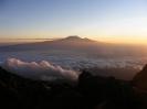 A Kilimanjaro a napfelkeltében